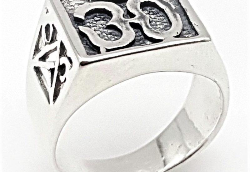 Anillo Símbolo de Om fabricado en Plata de Ley 925 mls