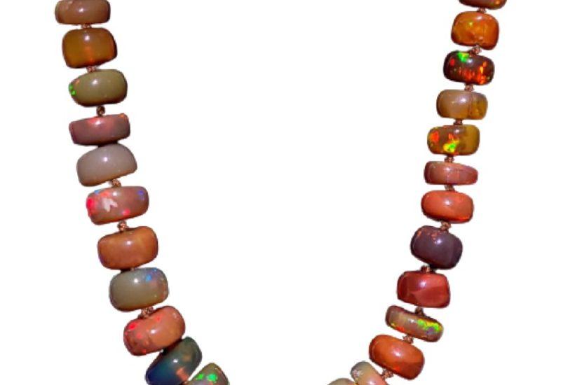 Collar Ópalo de Welo, Etiopía de 45 centímetros de largo