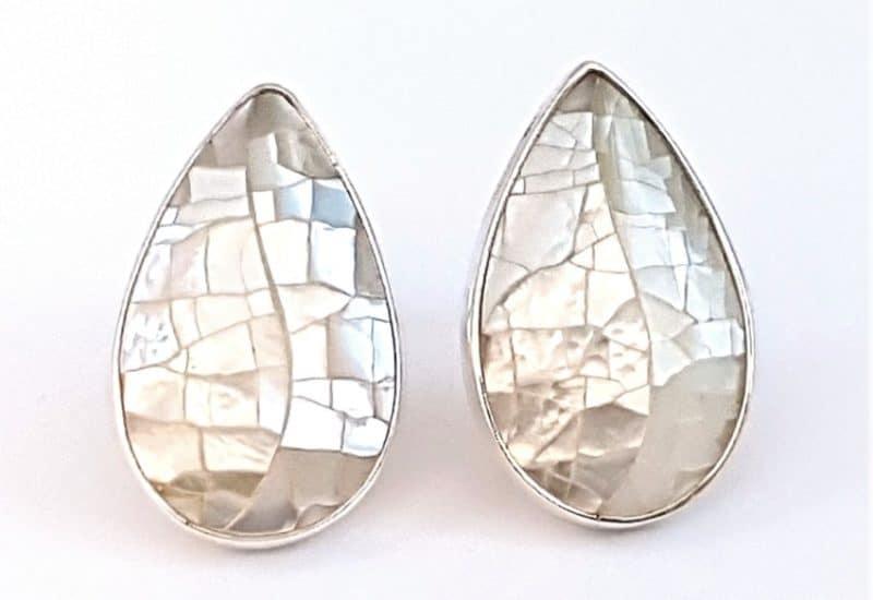 Pendientes nácar fabricados en plata de ley – cabujón de pera