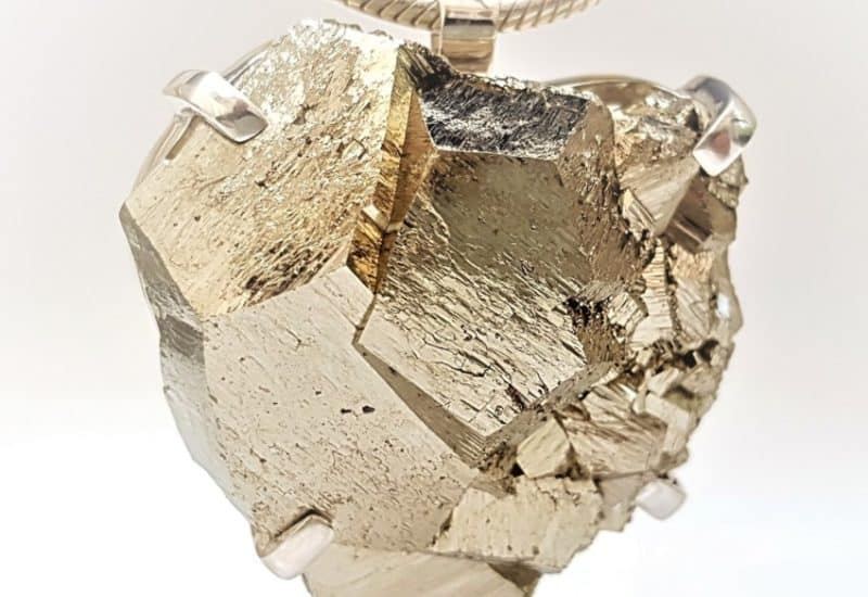 Espectacular colgante de Pirita cristalizada