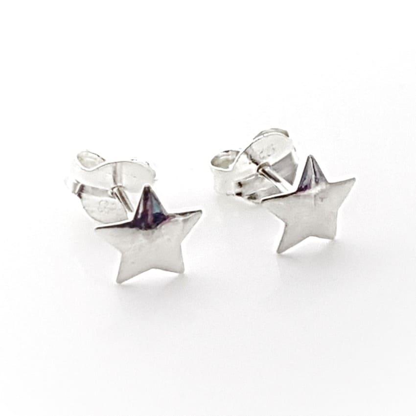 Pendientes estrellas de plata tamaño mediano