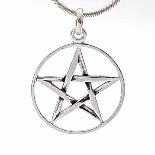 Colgante estrella de David estilo envejecido realizado en plata