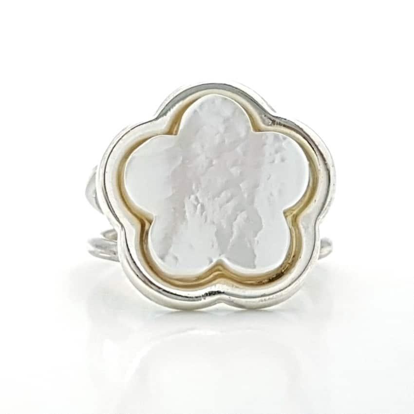 Anillo flor de nácar en plata (3)