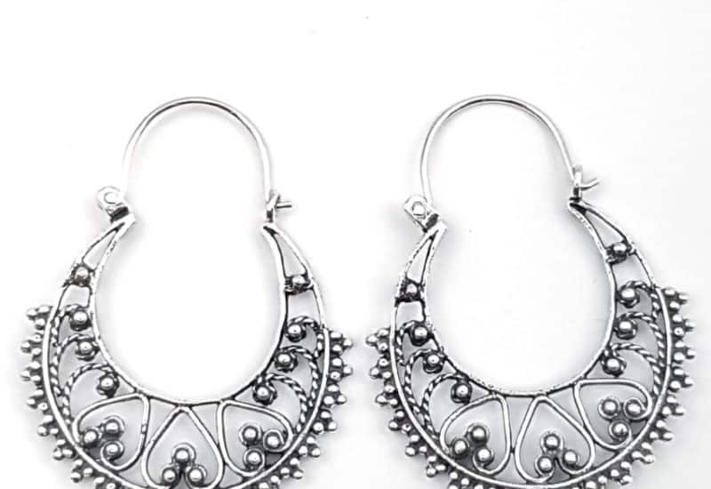 Argollas diseño vintage en plata vieja