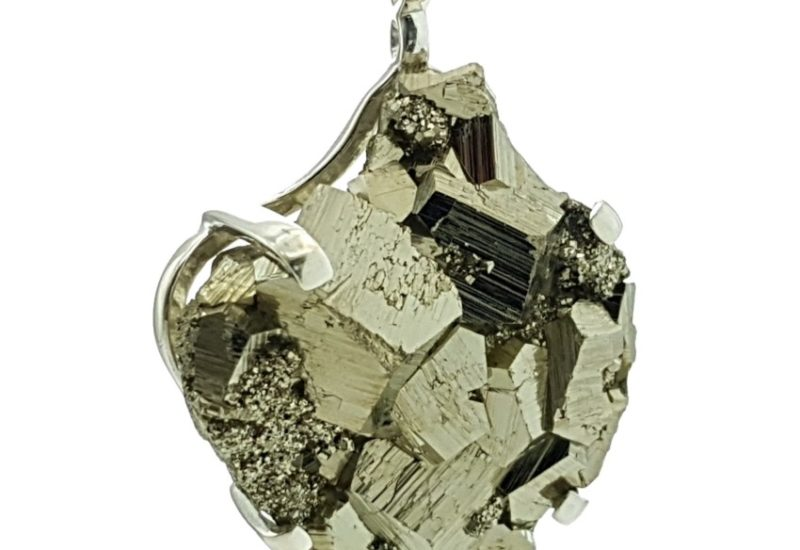 Exclusivo colgante de Pirita de 70 mm.