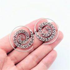 Pendientes étnicos aros en espiral fabricados en plata
