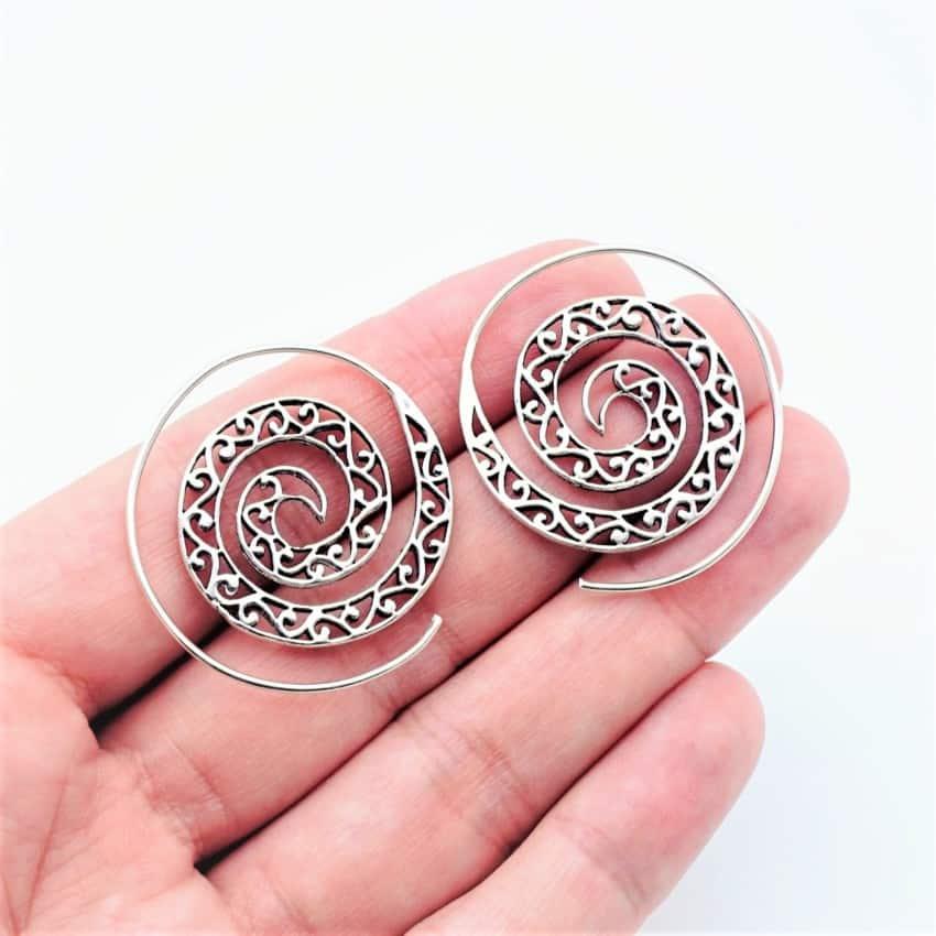 Pendientes étnicos aros en espiral fabricados en plata (2)