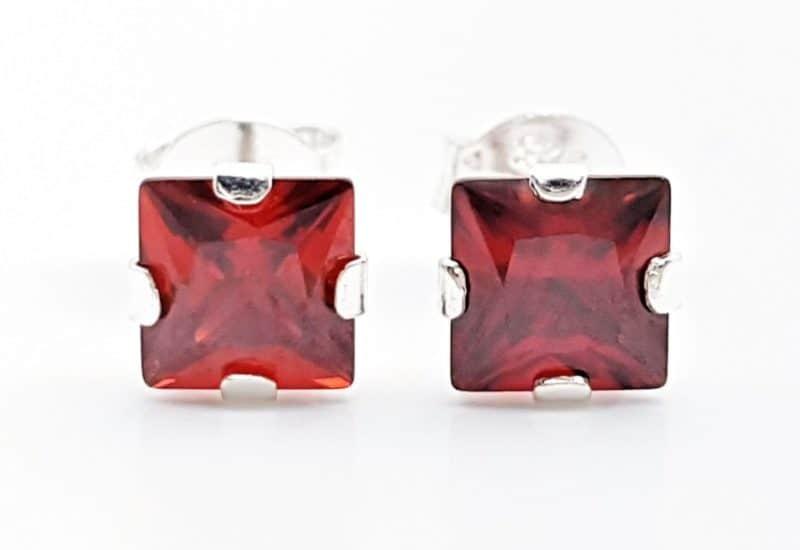 Pendientes circonita roja – forma cuadrada