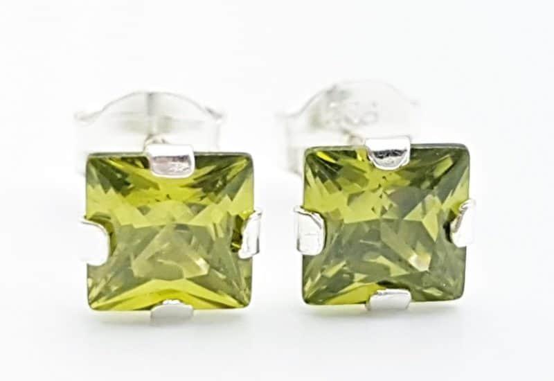 Pendientes circonita verde – forma cuadrada