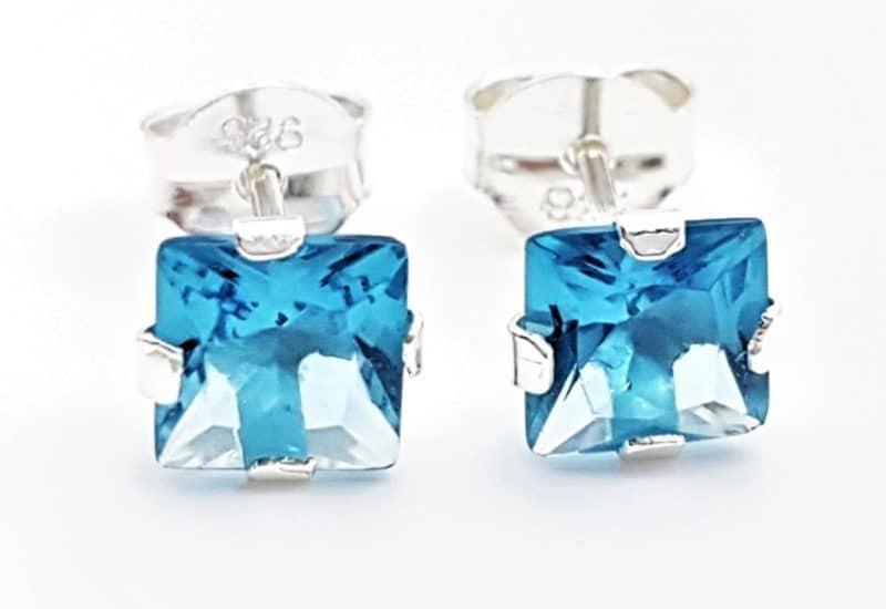 Pendientes circonita azul – forma cuadrada
