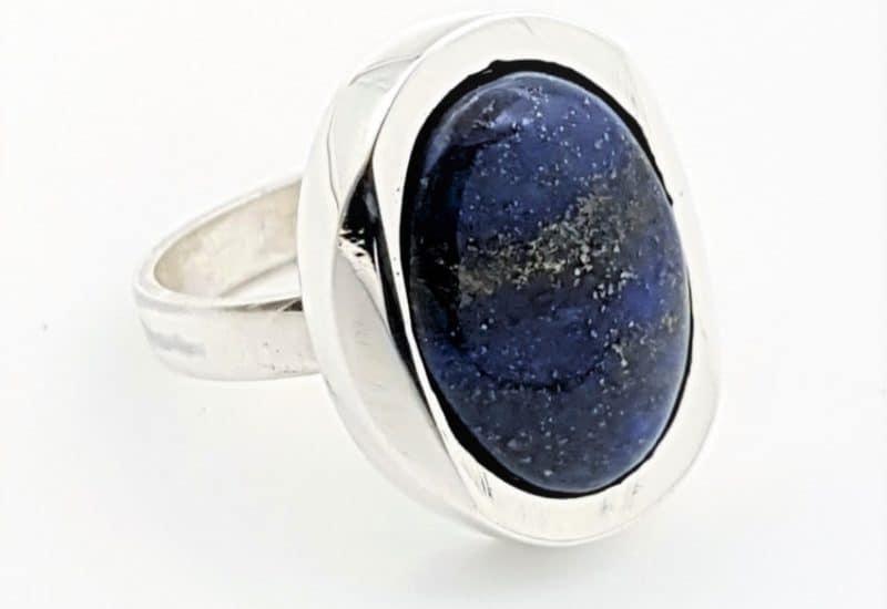 Joya talla 18 de lapislázuli en plata
