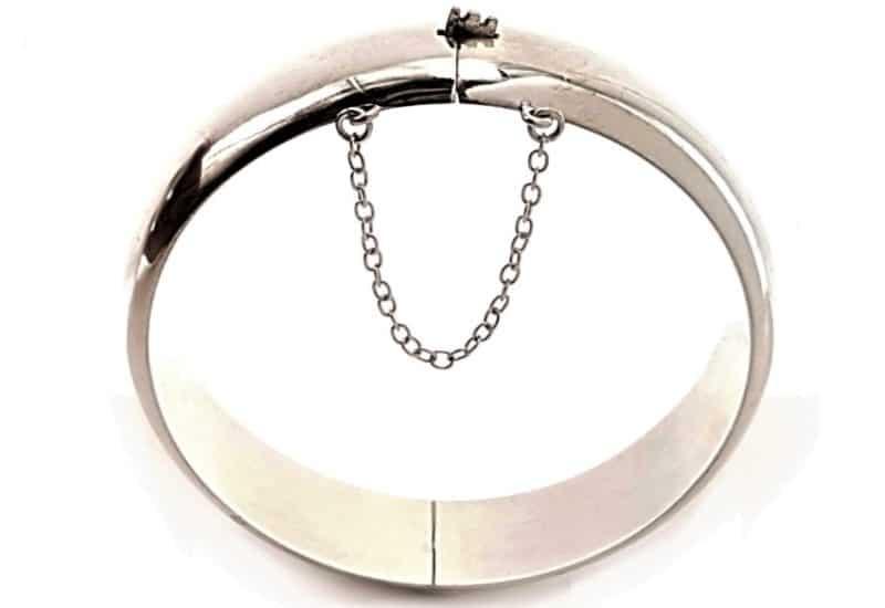 Pulsera media caña de plata 15 mm.