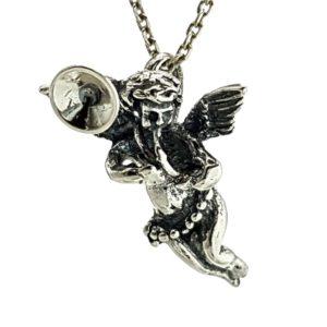 Cupido en plata 925, ángel del amor trompetista