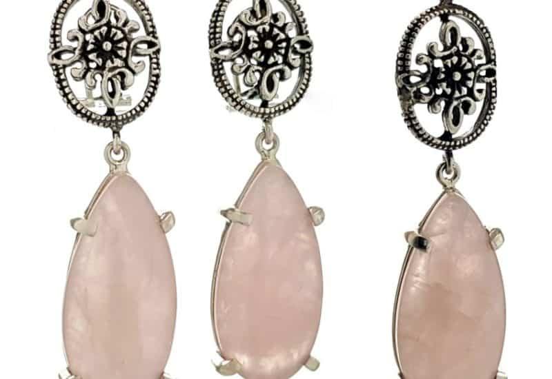 Conjunto de pendientes y colgante de cuarzo rosa en plata