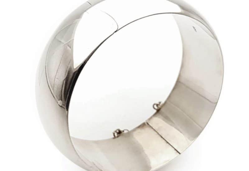 Pulsera media caña de plata 25 mm.