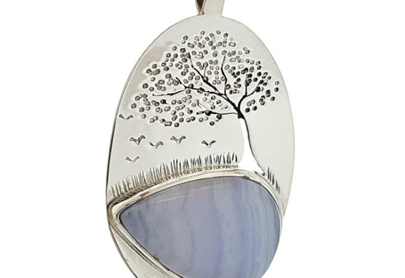 Colgante Calcedonia Azul y árbol de la vida en plata