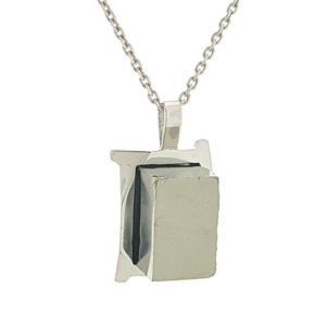 Colgante cubo de pirita natural en plata 925