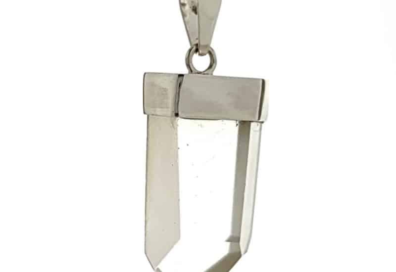 Colgante punta de cuarzo transparente en plata