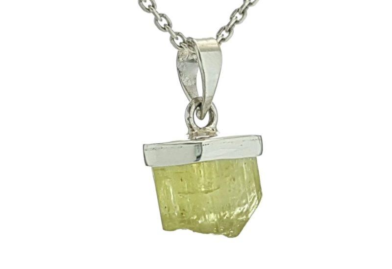 Colgante sección cristal natural de apatito en plata