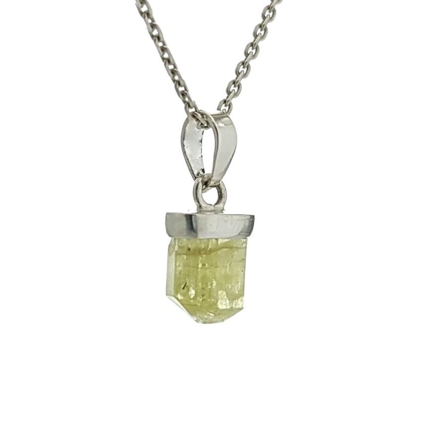 Mini colgante de apatito verde en plata (2)