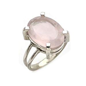 Anillo cuarzo rosa talla 15 piedra oval facetada.