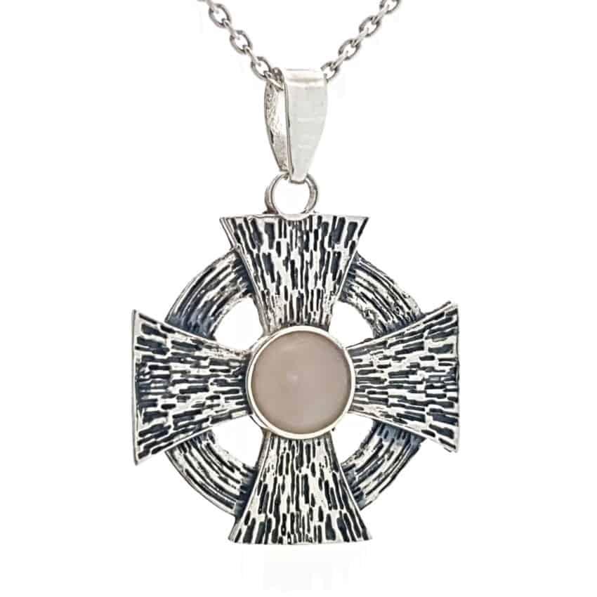 Cruz de Malta en plata con cuarzo rosa (2)