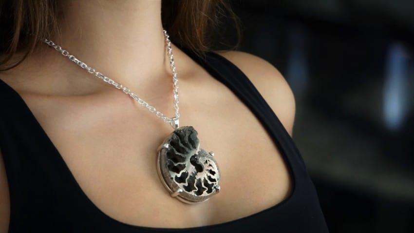 Colgante ammonites piritizado de Rusia