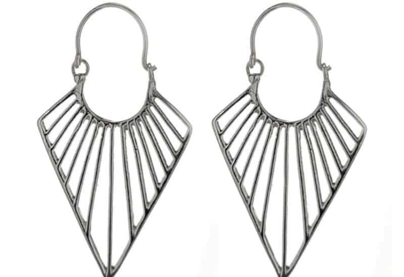 Aros diseño en punta de lanza en plata