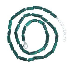 Collar con cilindros de malaquita, 41 cm