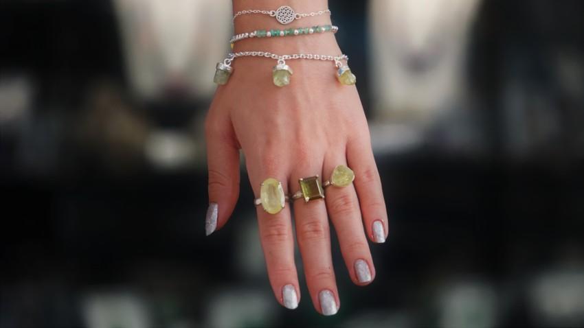 Pulsera flor de la vida, pulsera esmeralda, pulsera apatito y anillos de turmalina y apatito