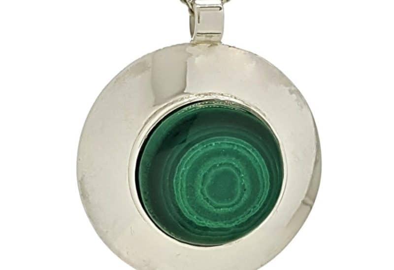 Colgante redondo de malaquita  en plata con efecto espejo