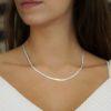 Gargantilla plana mostrada tal como luce en el cuello (1)