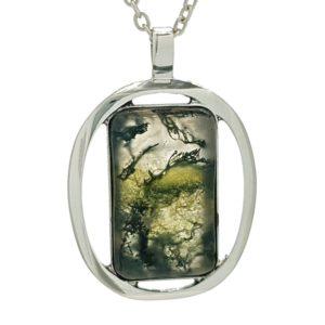 Colgante de plata 925 y piedra de ágata musgosa.