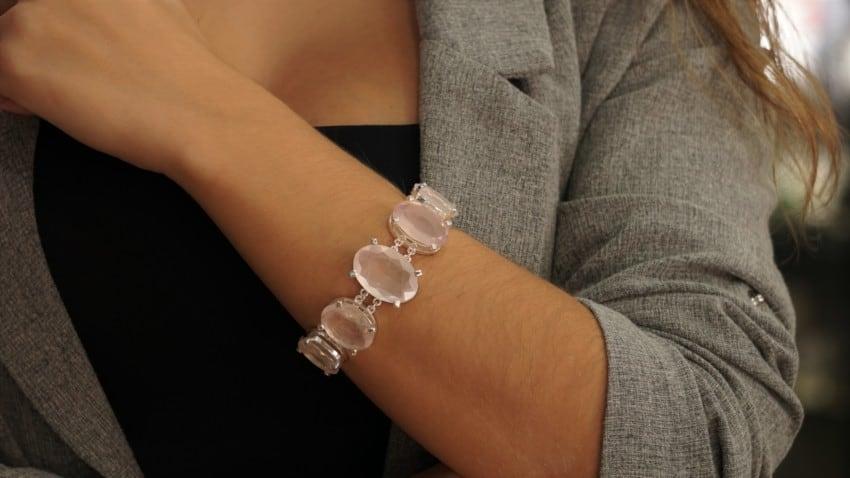 Pulsera de cuarzo rosa de piedras facetadas. Joya top