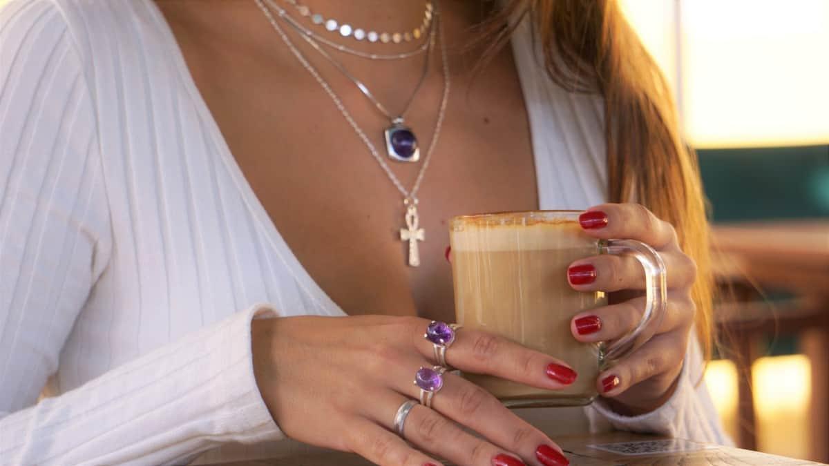 Una tarde de café con tus joyas favoritas