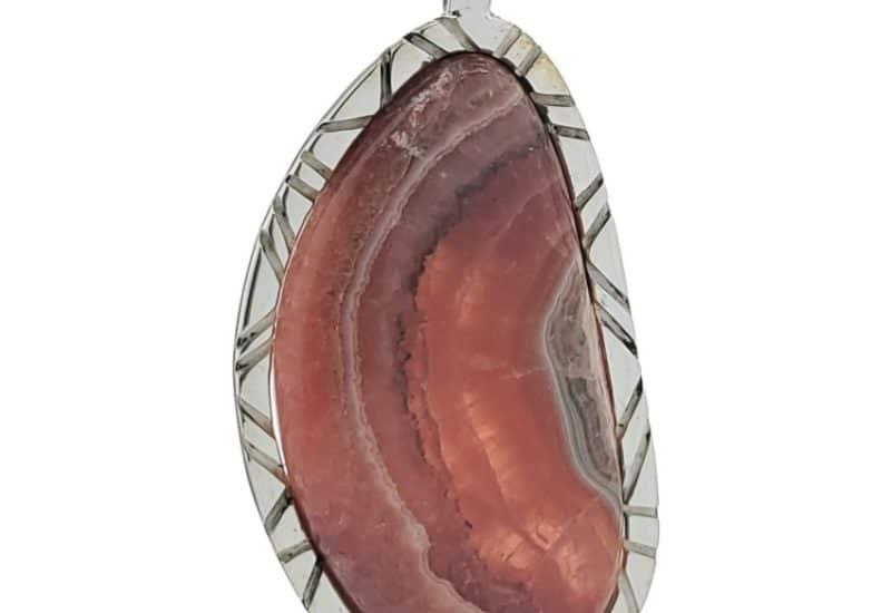 Colgante de plata con piedra cabujón de rodocrosita