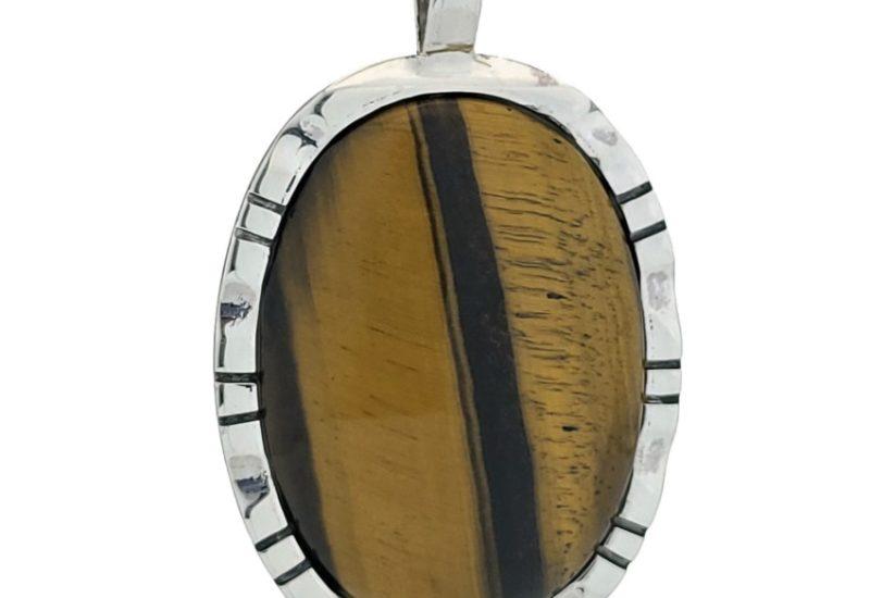 Colgante plata con piedra oval de ojo de tigre procedente de Brasil