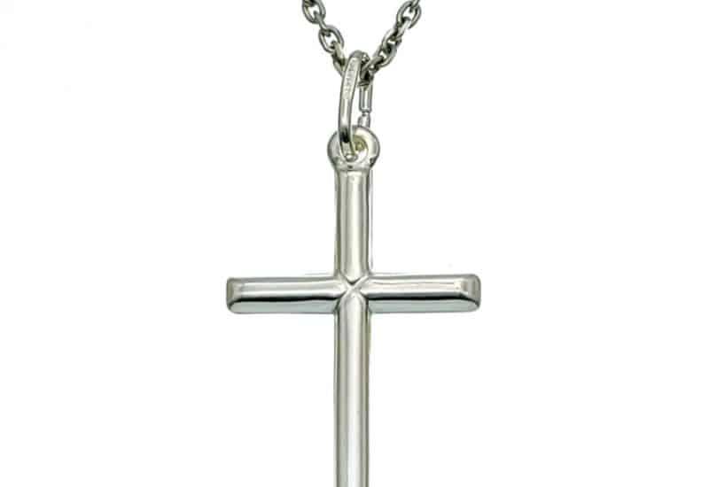 Colgante cruz lisa en plata 35x18mm.