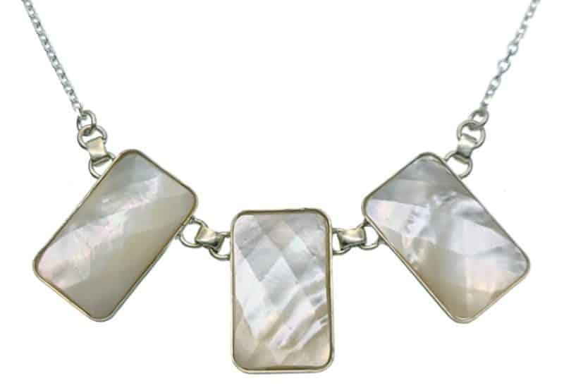 Gargantilla tres piedras de nácar facetadas en plata 925