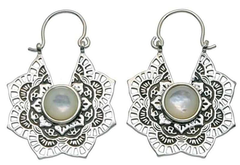 Pendientes aros diseño mandala de plata 925 con nácar blanco