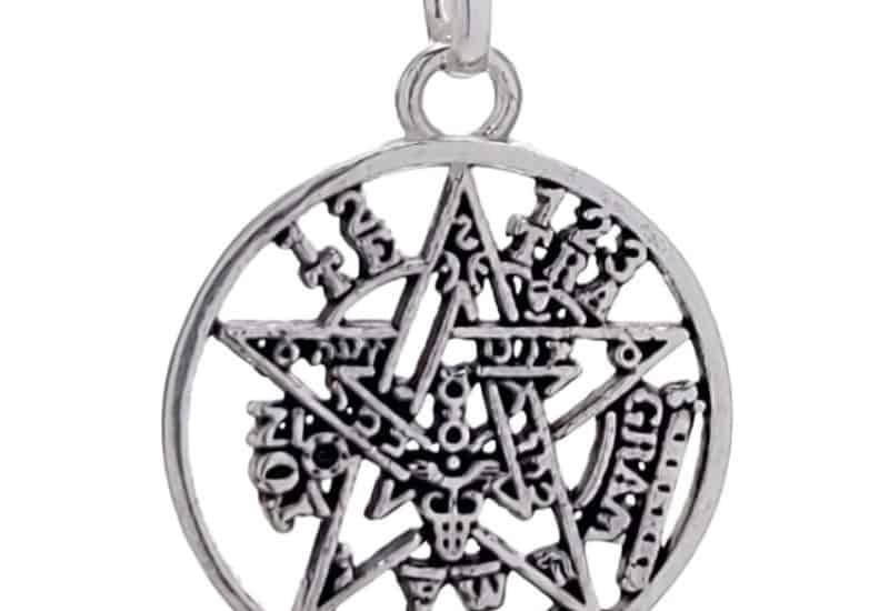 Colgante pentagrama tetragramatón de plata 925 de 32 x 23 mm.