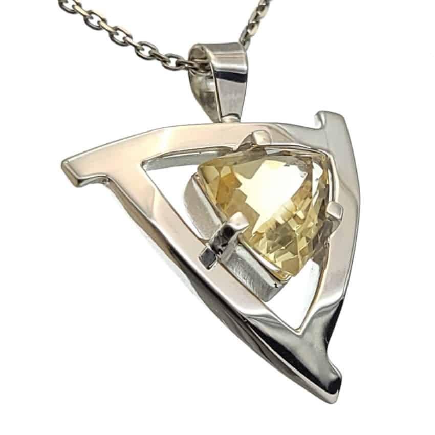Colgante plata con gema semipreciosa de citrino con forma trillión (6)