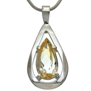 Colgante plata con piedra natural de citrino de talla en lágrima