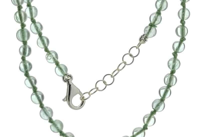 Collar bolas de 4 mm. de fluorita verde con cierre de plata.