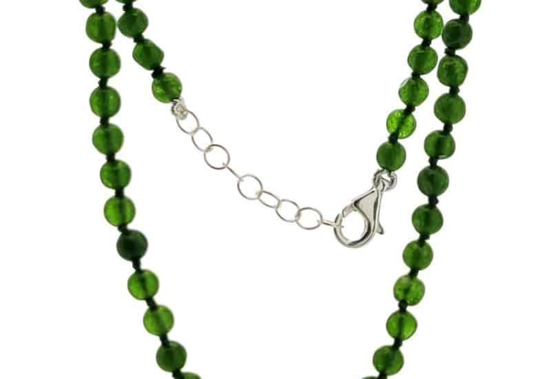 Collar de piedras semipreciosas de Jade verde con cierre de plata
